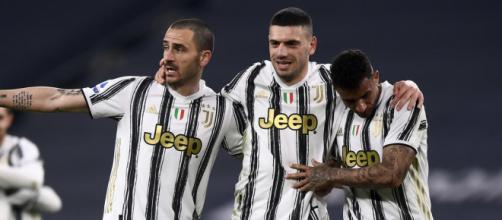 La Juventus pensa alle cessioni: due difensori ufficialmente sul ... - yahoo.com