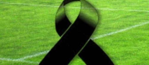 Lutto nel calcio, scomparso il giovane dell'Ajax Noah Gesser.