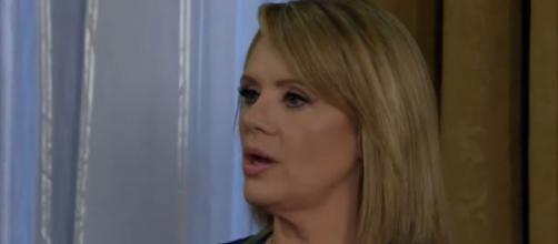 Vitória quer saber o que acontece entre Aguiar e Adriana (Divulgação/Televisa)