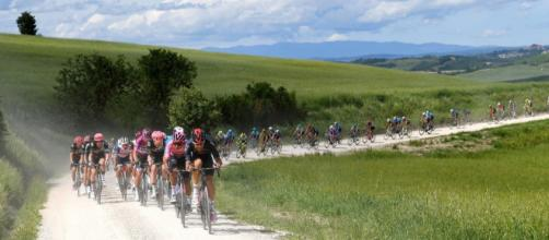 Ciclismo, per i corridori del World Tour stipendi mensili sopra i diecimila euro