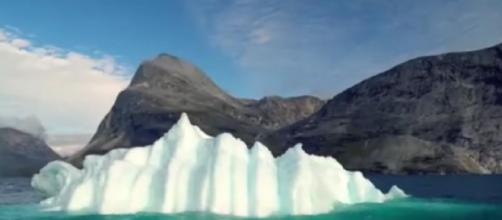 Travel tips for Greenland - How to spend your holiday in Greenland. [Image source/DW Travel YouTube video]