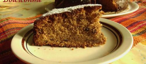 Cake di prugne e noci, un dolce rustico molto saporito.