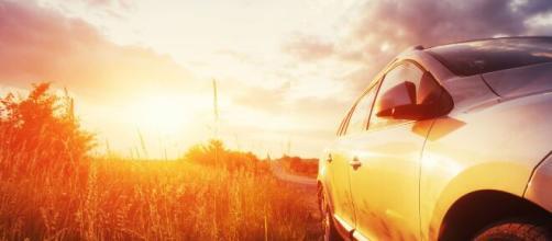 Oristano, auto parcheggiata al sole: muore la cagnolina lasciata chiusa dentro.