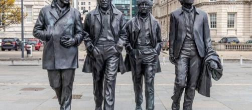 Statue of the Beatles in Liverpool / Photo via Pauldaley1977, Pixabay