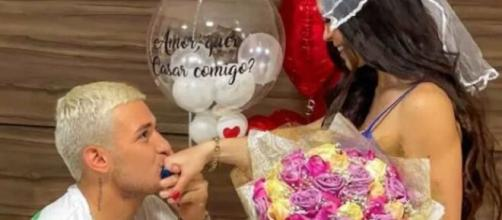 MC Gui fica noivo de Beatriz Michelle (Foto: Reprodução/Instagram/@mcgui)