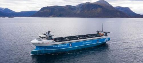 All-electric, crewless container vessel set to sail in 2020 (Image source: Yara International)