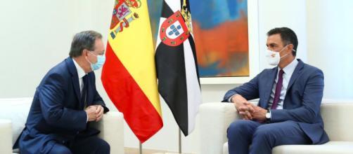 Pedro Sánchez y Juan Jesús Vivas se reunieron durante más de una hora (Twitter, @desdelamoncloa)