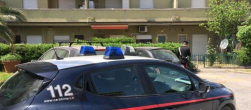 Castelfranco Veneto, farmacista 37enne trovata morta: lo zio si uccide dopo la scoperta.