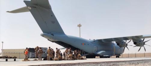 La evacuación española acabó tras los dos ataques terroristas en el aeropuerto de Kabul (Twitter @Defensagob)