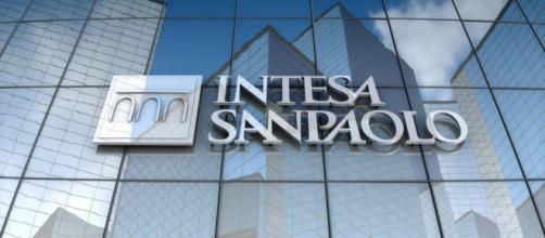 Assunzioni Intesa Sanpaolo: selezioni per agenti in attività finanziaria.