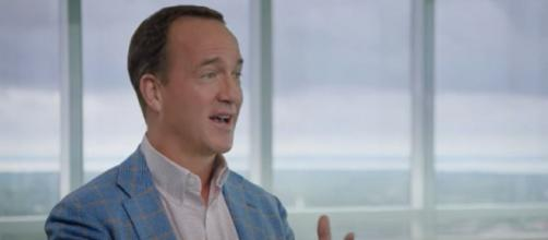 Manning has formed a close bond with Brady (Image source: HBO/YouTube)