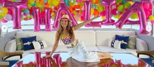 Thalia comemorou aniversário em casa (Foto: Reprodução/Instagram/@thalia)