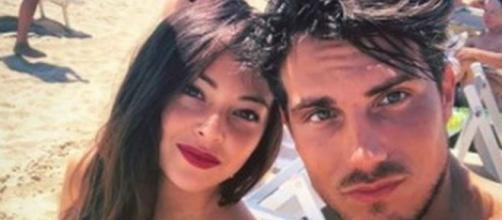 GF 16, Daniele Dal Moro e Martina Nasoni insieme a Napoli: 'Sorridenti e affiatati'.