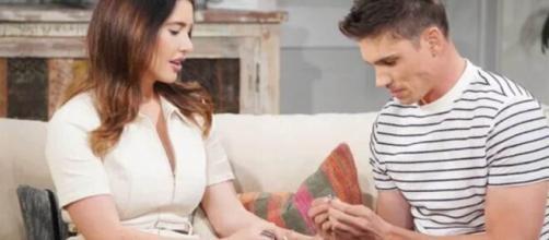 Finn regala l'anello all'amata Steffy