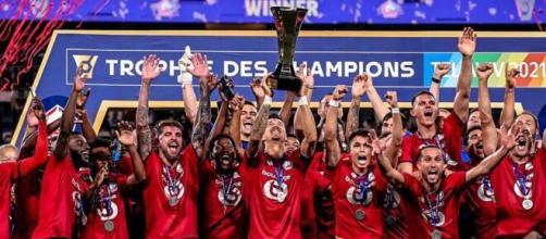 Les joueurs du LOSC, vainqueurs du Trophée des champions 2021 - Source : capture d'écran, Instagram @ligue1ubereats