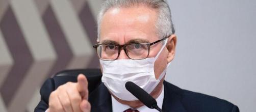 Renan diz que vai acusar membros do 'gabinete paralelo' de crime comum (Pedro França/Agência Senado)
