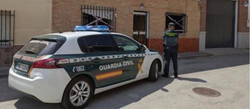 Por el momento hay dos detenidos relacionados con el tráfico de sustancias ilegales adulteradas - Twitter (@guardiacivil)