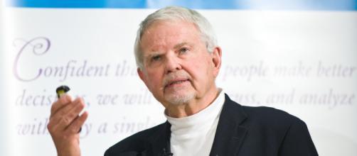 Former Colorado Gov. Richard Lamm dies at 85 (Image source: goldlabfoundation.org)