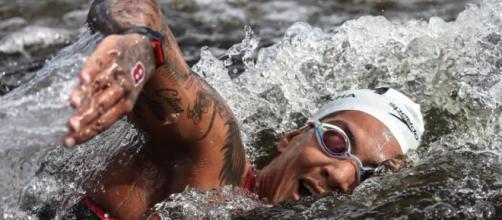 Ana Marcela Cunha ganha medalha de ouro na maratona aquática (Jonne Roriz/COB)