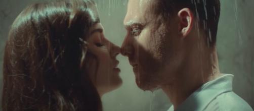 Love is in the air, trama turca, Serkan a Eda: 'Ti amo, sono geloso di te, mi manchi'.