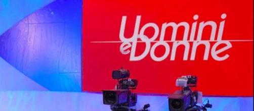 Uomini e Donne, rumor edizione 2021/2022: riprese al via dal 29 agosto, Gemma 'star'.