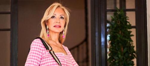 "Carmen Lomana ha expresado que Telecinco tiene ""un negocio"" con Rocío Carrasco (Instagram, carmen_lomana)"