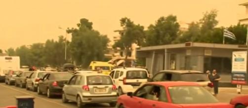 Greek island evacuated as wildfires rage in worst heatwave for 30 years (Image source: BBC News/YouTube)