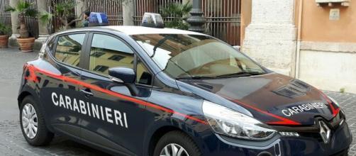 Friuli, uomo si finge un ciclista in difficoltà e ruba la bici a un corridore che si era offerto di aiutarlo.