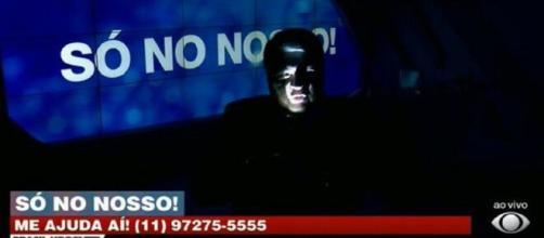José Luiz Datena apresenta programa no escuro para criticar aumento de energia (Reprodução/TV Bandeirantes)