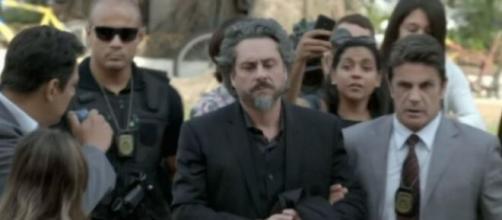José Alfredo é preso em 'Império' (Reprodução/TV Globo)