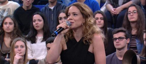 Leandra Leal ganha felicitações (Reprodução/TV Globo)