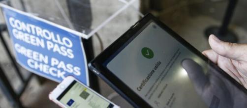 Green pass, a ottobre l'obbligo riguarderà anche le Pubbliche Amministrazioni.