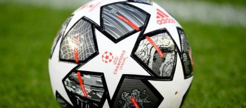 Il pallone della Uefa Champions League.