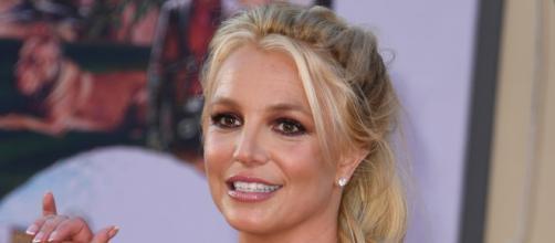 Britney Spears annuncia il fidanzamento con Sam Asghari sui social: 'Non ci posso credere'.