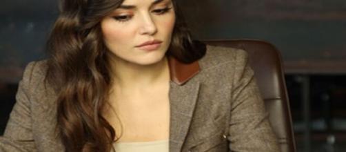 Love is in the air, trama del 20 settembre: Ayfer preoccupata per Eda.