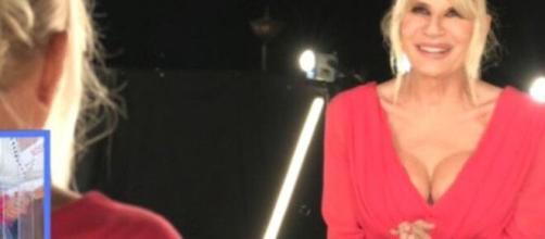 Uomini e donne, Gemma Galgani fa il botto di ascolti con l'operazione al seno (Video).