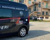 Milano, 15enne si getta dal dodicesimo piano: l'ombra della sfida online, aperta inchiesta