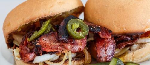 La mujer que pidió la hamburguesa dijo que vio el dedo en el primer mordisco que dio - (Pixabay)