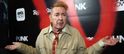 John Lydon ha attaccato i Sex Pistols in un'intervista dopo aver perso una causa