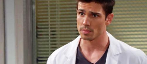 Beautiful, trame al 25/09: Finn parlerà con Steffy della sua dipendenza dai medicinali.