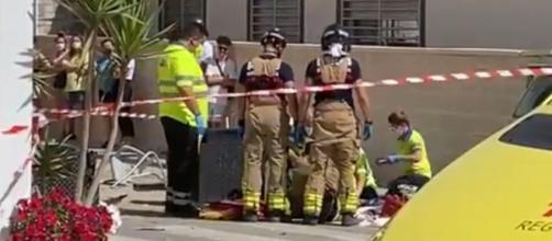 El accidente dejó dos muertos y dos heridos en los establecimientos del bar de Murcia (Twitter/@La7_tv)
