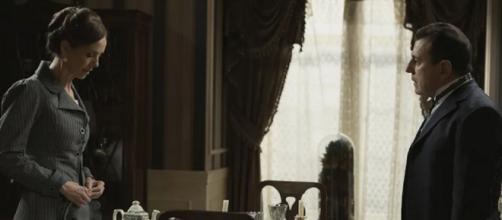 Una vita, trame Spagna: Felicia decisa a partire dopo essersi rifiutata di sposare Marcos.