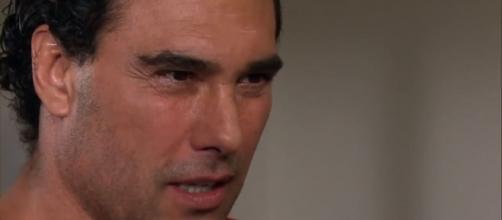 Aguiar fica desconfiado de Vicente (Reprodução/Televisa)