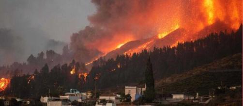 La zona volcánica de Cumbre Vieja en La Palma está en plena actividad. (Captura TVE)