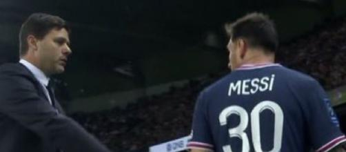 Leo Messi pas content de sortir face à Lyon. (crédit Twitter)