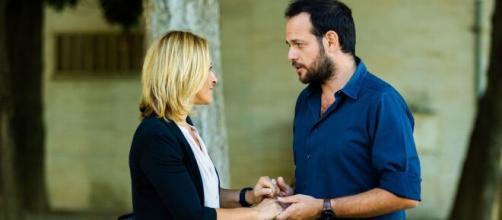 Un Posto al sole, spoiler al 24 settembre: Silvia e Giancarlo si frequentano di nascosto, Serena delusa dal comportamento di Filippo