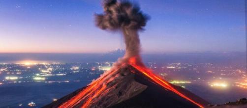 Una spettacolare eruzione esplosiva.