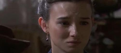 Una vita, anticipazioni: Camino non riceve più notizie di Maite dopo la morte di Ildefonso.
