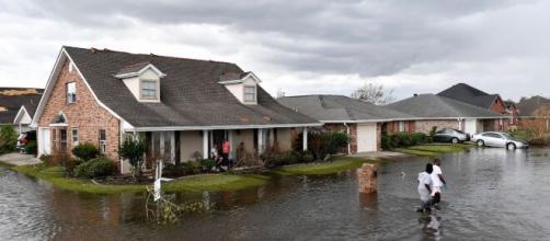 Due morti e ingenti danni dopo il passaggio dell'uragano Ida.