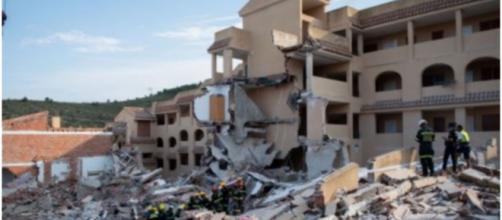 El edificio de Peñíscola donde residía Bienvenido y su familia totalmente derrumbado (RRSS)